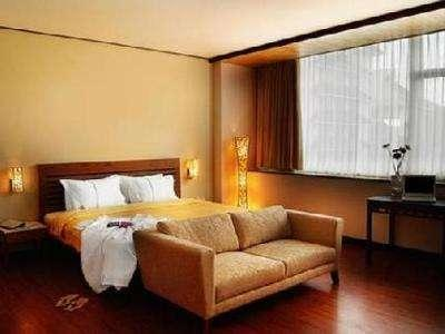 Banana Inn Hotel Bandung - Executive Room With Breakfast Special Promotion