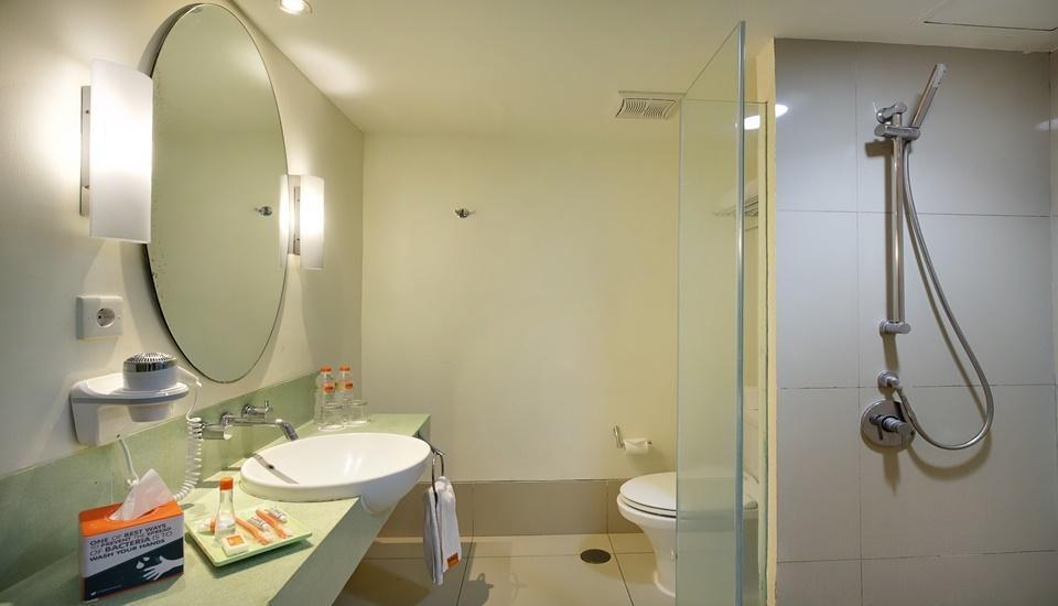 HARRIS Hotel Kuta - Rest Room