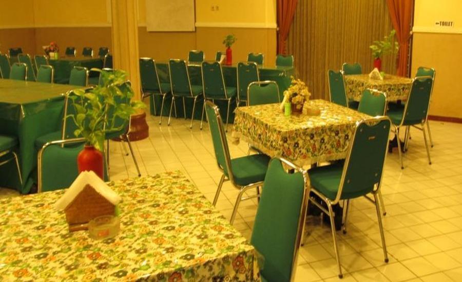 Hotel Lestari Jember - Dining room