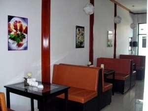 Beril Nur Hotel Makassar - Cafe