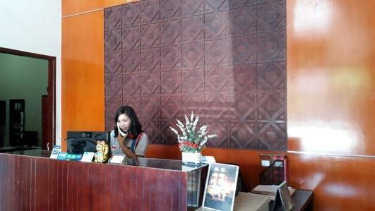 Beril Nur Hotel Makassar - Resepsionis