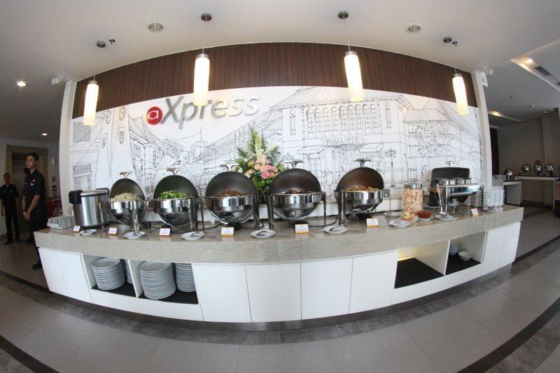 Amaris Hotel Sriwedari Solo - Makanan