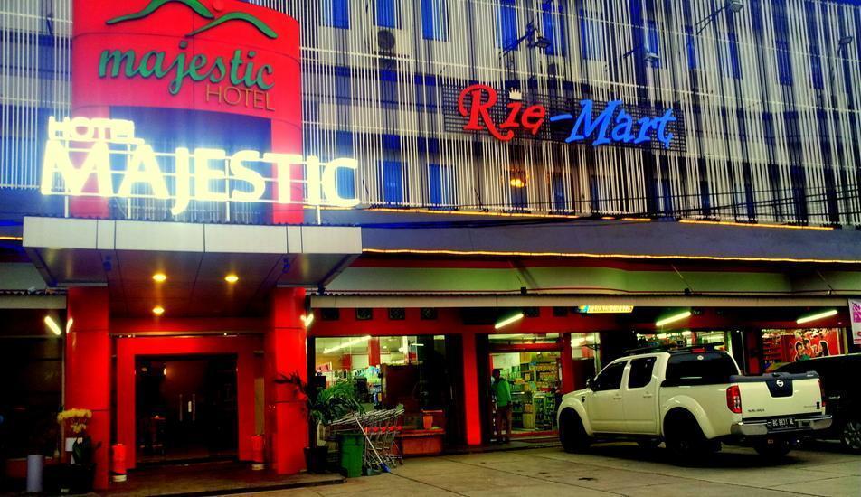 Majestic Hotel Palembang - depan