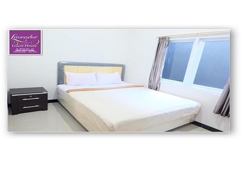Lavender Guest House Samarinda - Deluxe Queen Room Regular Plan