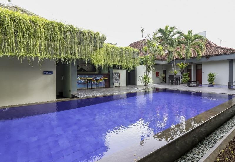 NIDA Rooms Airport Road Denpasar - Kolam Renang