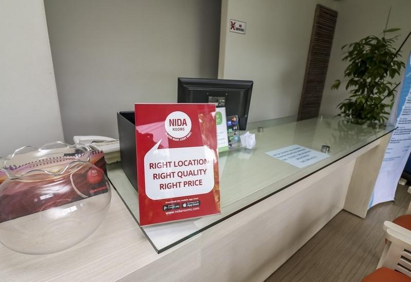 NIDA Rooms Airport Road Denpasar - Resepsionis