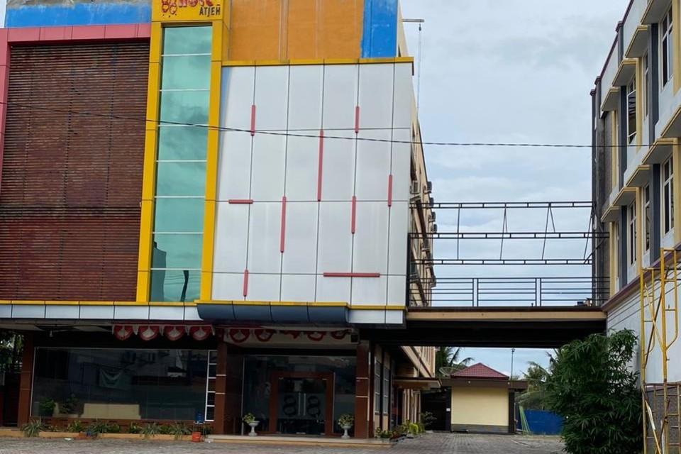RedDoorz Plus Syariah @ Jalan Syiah Kuala Banda Aceh