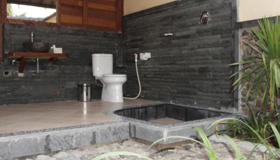 Mina Tanjung Beach Hotel Lombok - Kamar mandi
