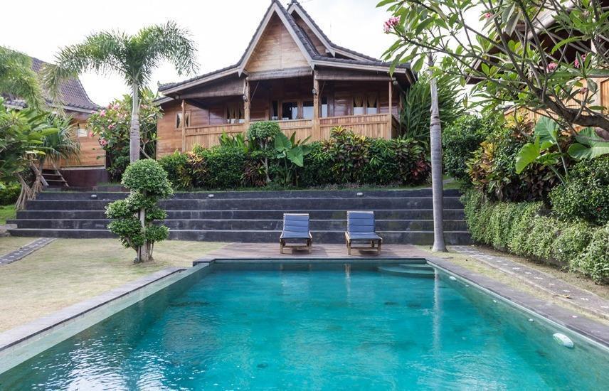 RedDoorz Plus @ Dawas Canggu Bali - Kolam Renang