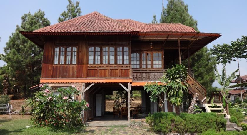 Villa Hadea Kayu - Ciater Highland Resort Subang - Eksterior