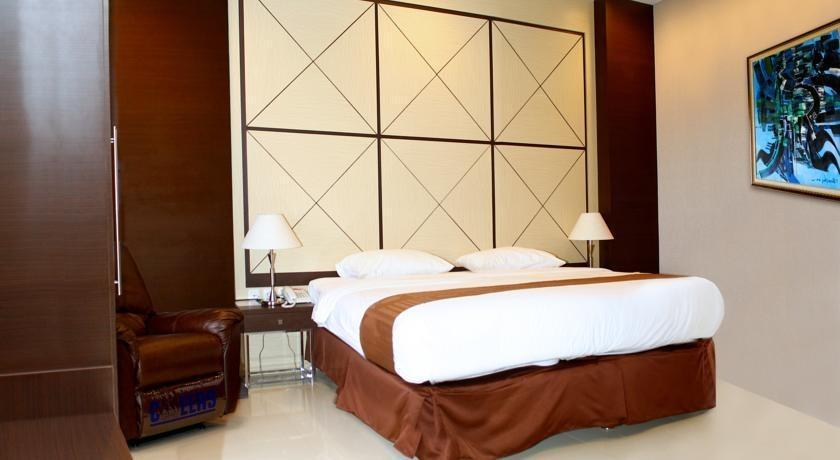 Sutan Raja Hotel Cirebon - Superior Room  Regular Plan