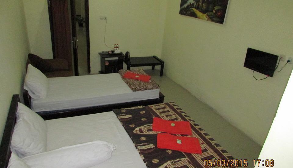 Bunga Matahari Guest House Malang - Junior Room Triple