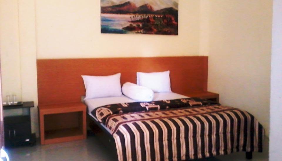 Bunga Matahari Guest House Malang - Junior Room Plus