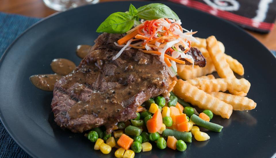 Sotis Residence Pejompongan Jakarta - Striploin Steak
