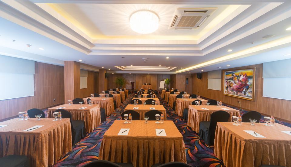Sotis Residence Pejompongan Jakarta - Meeting Room