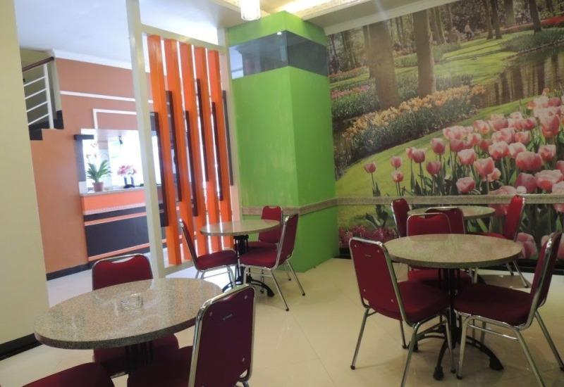 NIDA Rooms Queen Place Makassar - Pemandangan Area