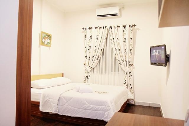 Lotus Hotel Bandung - Deluxe Room #WIDIH