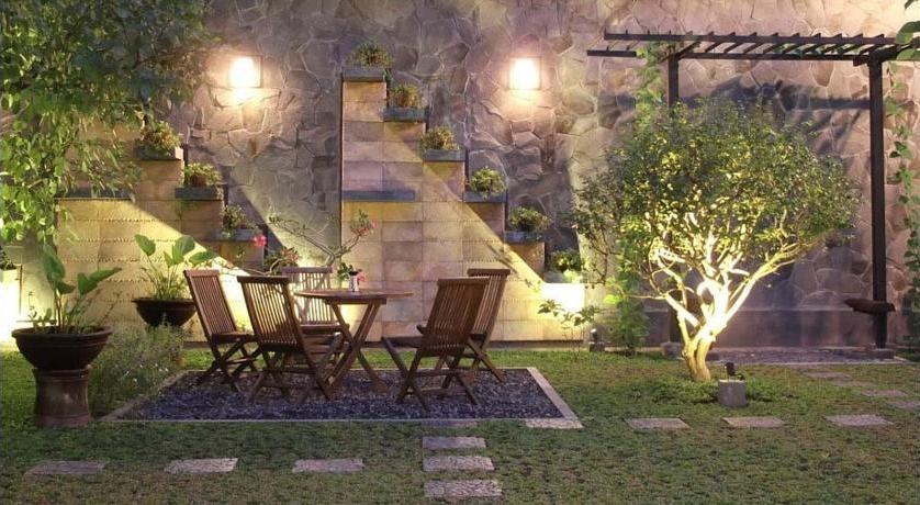 Maharani Guest House Yogyakarta - Taman