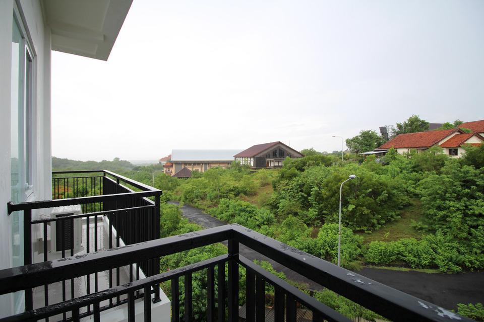 Airy STP Nusa Dua Palapa Satu 8 Benoa Bali - Balcony