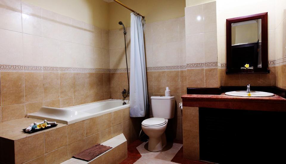 Maxi Hotel And Spa Bali - Deluxe Bathtub