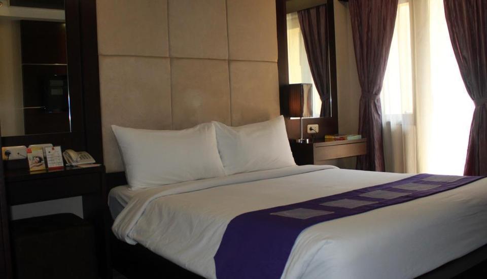 Metro Hotel Bekasi - Kamar tamu