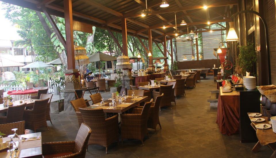 Singgasana Hotel Surabaya - Pasar Rakyat