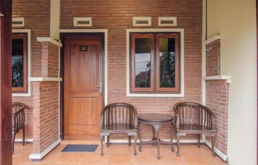 Ani Homestay Malang - Eksterior