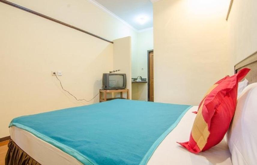 Ani Homestay Malang - Deluxe Room Regular Plan