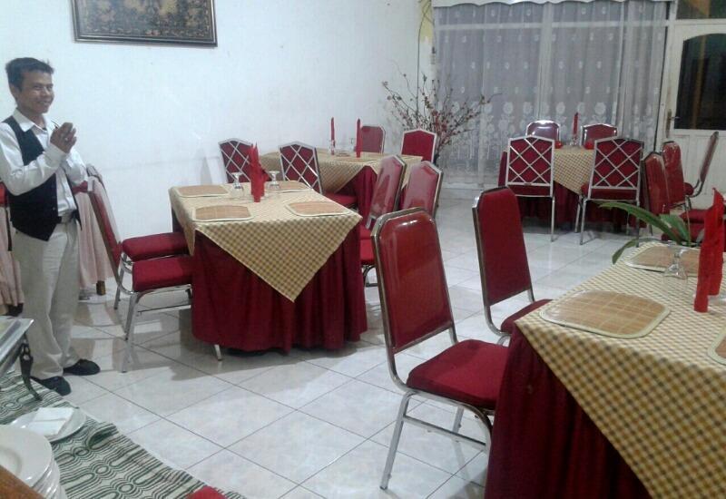 Hotel Yuriko Padang - Restaurant