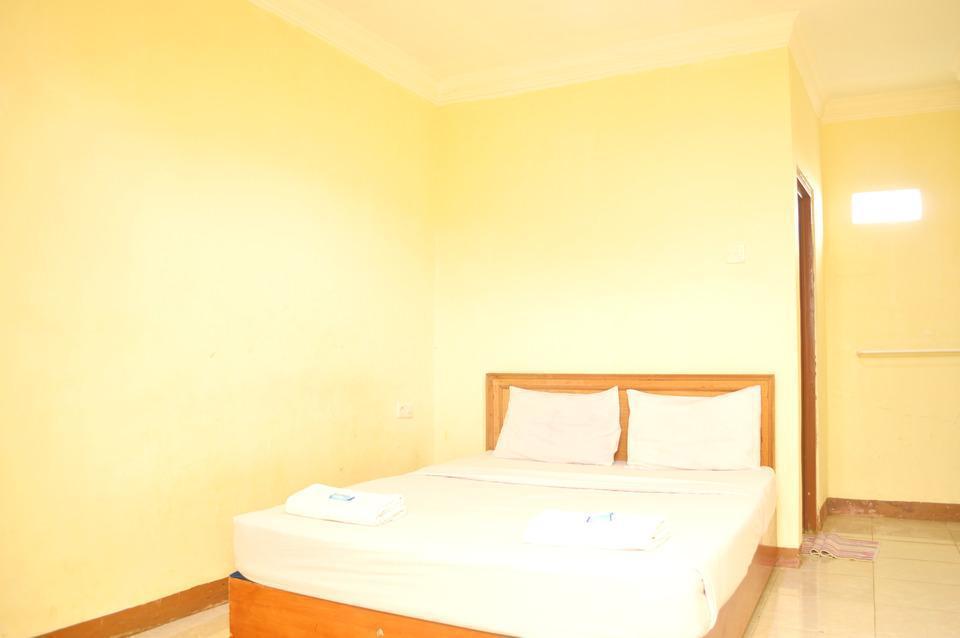 Hotel Yuriko Padang - Standard Room Regular Plan