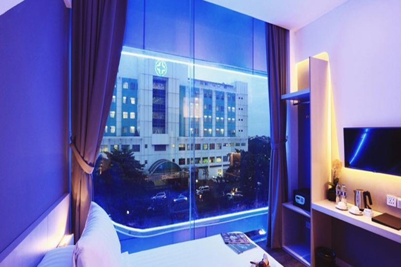 Ozone Hotel Jakarta - Grand Deluxe With Breakfast Regular Plan