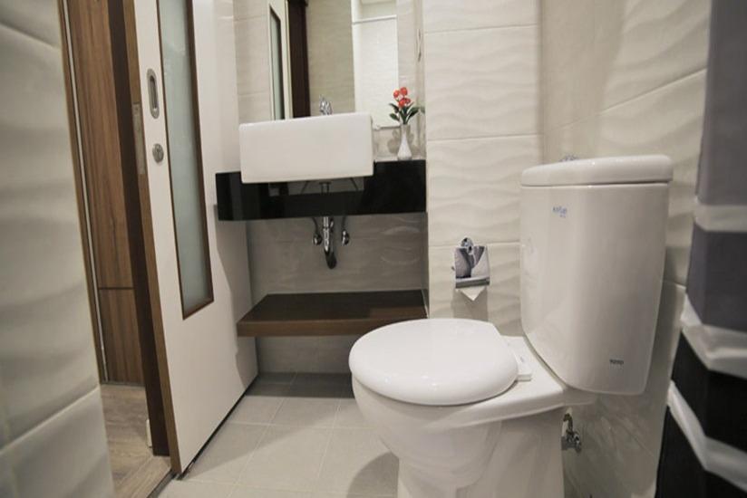 Ozone Hotel Jakarta - Bathroom