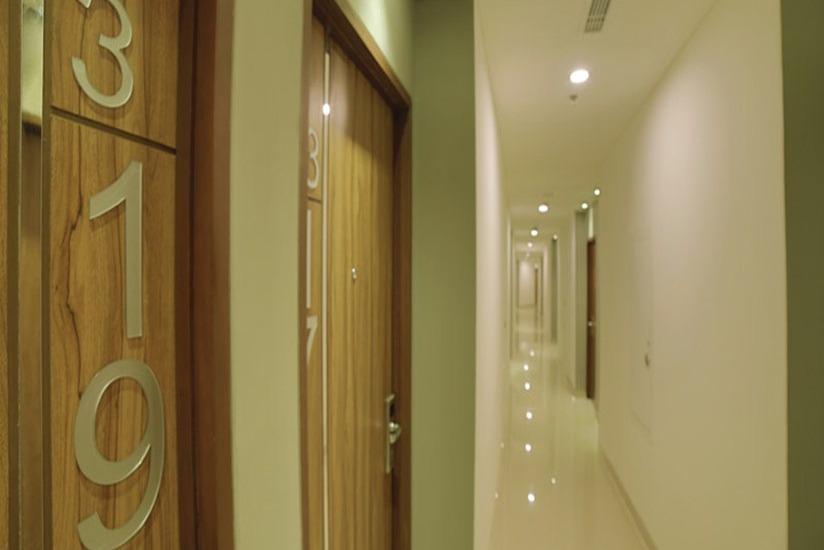 Ozone Hotel Jakarta - Corridor