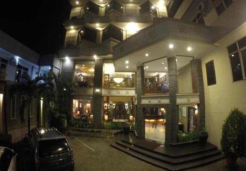 Harmonis Hotel Tarakan - Eksterior
