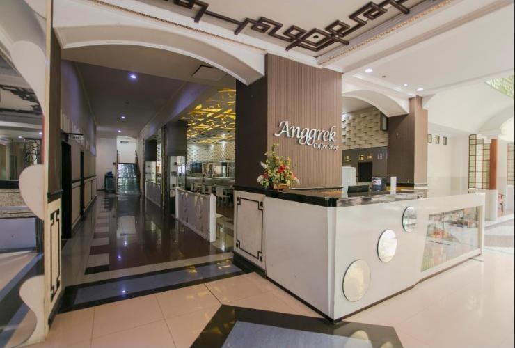 V3 Hotel Surabaya - Resto