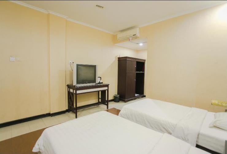 V3 Hotel Surabaya - Room