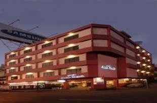 Losari Beach Hotel Makassar - Eksterior
