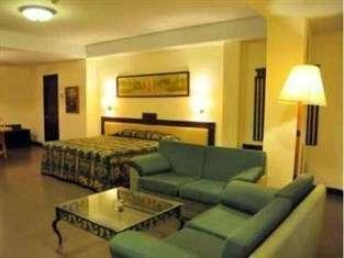 Losari Beach Hotel Makassar - Kamar Suite Double
