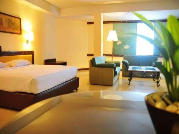 Losari Beach Hotel Makassar - Kamar Suite Weekend Promo Disc 40%