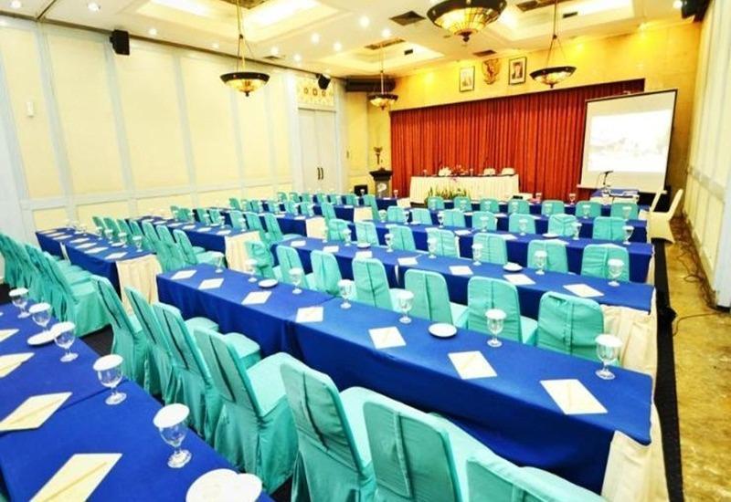 Topas Galeria Hotel Bandung - Ruang Rapat