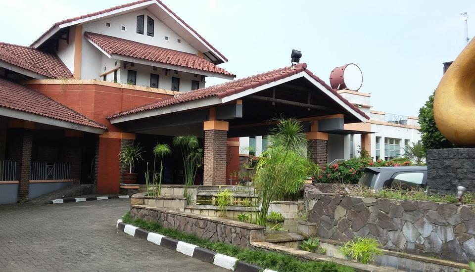Topas Galeria Hotel Bandung - Tampak Depan