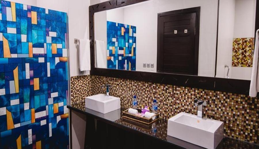 L Amore Hotel  Seminyak Bali - Kamar mandi
