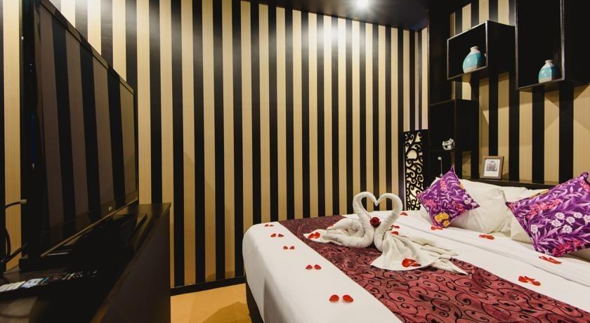 L Amore Hotel Seminyak Bali - Grand Deluxe Room Basic Deal