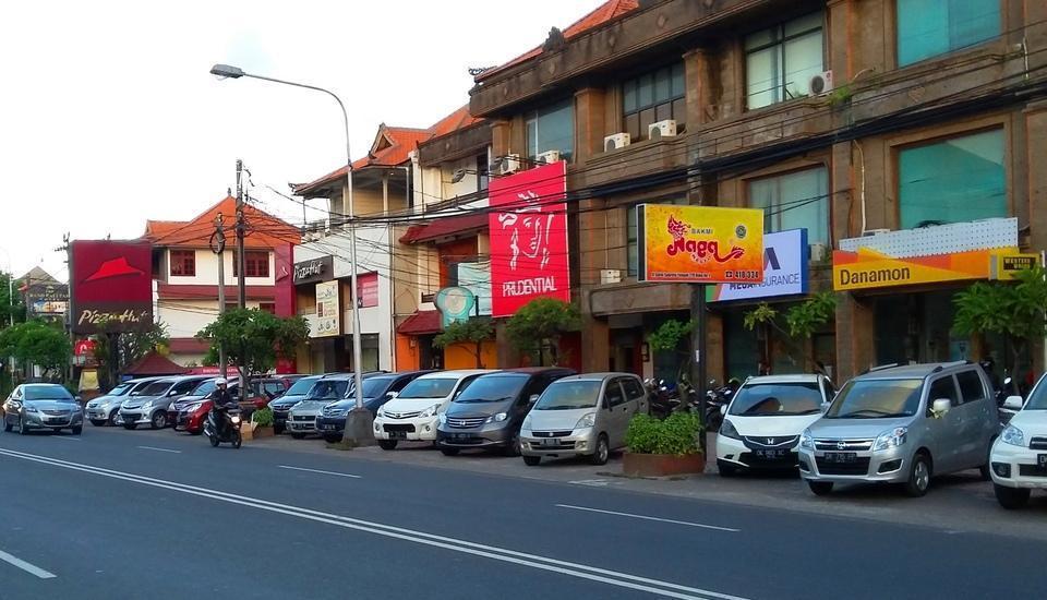 De Lemon Gatsu Hotel Bali - Restoran Terdekat