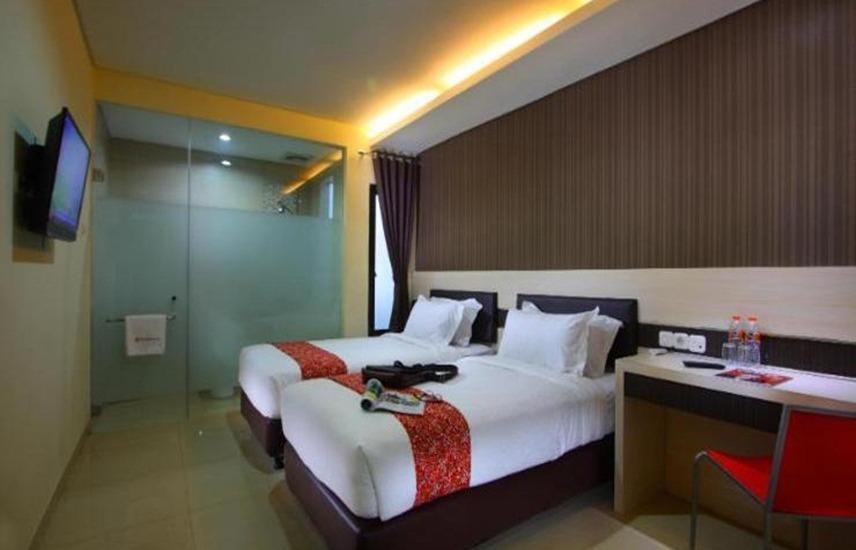 Sumi Hotel Surabaya - Kamar