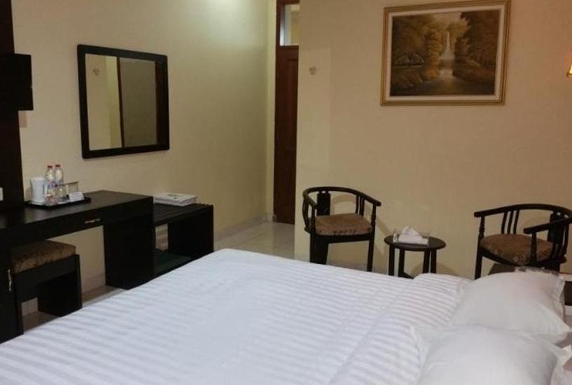 Hotel Setia Budi Madiun - Kamar Business