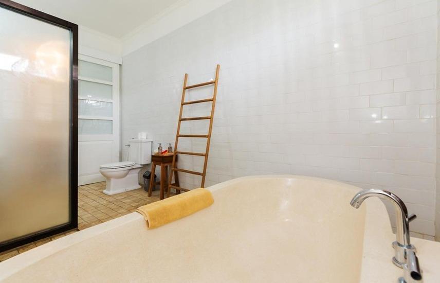 Bije Sari Suite Bisma Bali - bak mandi