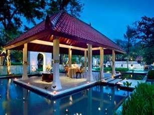 Sheraton Mustika Yogyakarta Yogyakarta - Makan Malam di Pendopo
