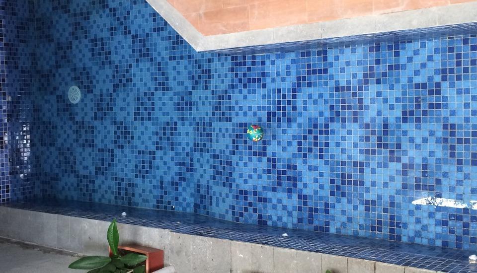 Hazel House Bandung - Kolam Renang
