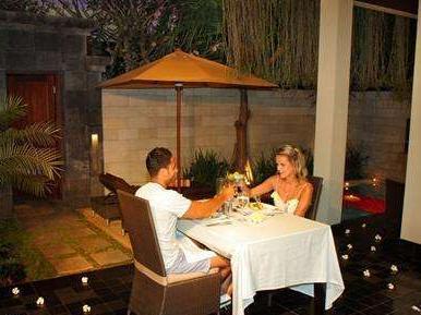 Sun Island Seminyak - Makan malam romantis